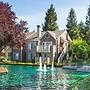 Global Luxury Suites in the heart of San Ramon
