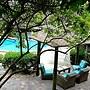 Dolphin Key Resort