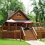 A Pebble Beach River Cabin - 3 Br cabin