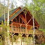 Log Inn at Creekside - 2 Br cabin by RedAwning