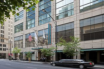Hotel homewood suites by hilton chicago downtown chicago for Chicago hotels close to downtown