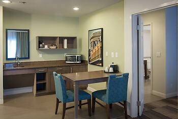 Hampton Inn and Suites Elmwood