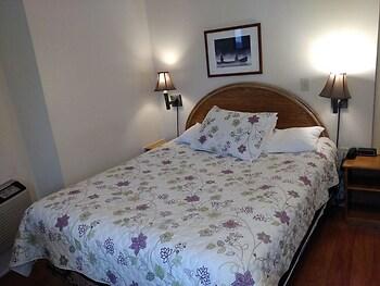 Clothier Mills Inn Motel