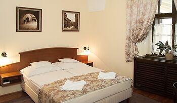 Klastrom Hotel