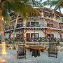 Beachfront Hotel La Palapa - Adults Only