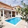 Villa Antonia Necujam K1 - 4 Br Home