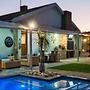 HOBIE BEACH GUEST HOUSE