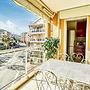 Beautiful 2 bed Apartment Only 50m From the Beach!
