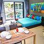 Emerald Terrace - Pool View Studio