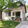 Oakley Square 3br Charmer - Total Walkability 3 Bedroom Home