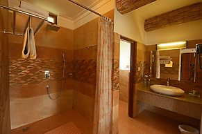 Hotel Green Park Chitwan, Sauraha, Nepal - Lowest Rate Guaranteed!