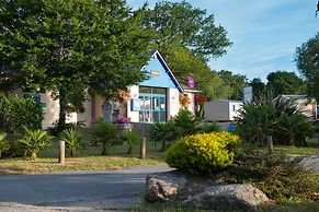 Hotel Camping Domaine De Kerlann Pont Aven France Lowest