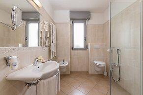 Sovrana Vasca Da Bagno.Hotel Sovrana Re Aqva Spa Rimini Italia Tariffa Minima