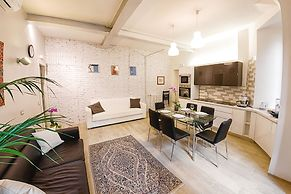 Hotel Cozy Flat Near Colosseum Rome Italy Lowest Rate Guaranteed