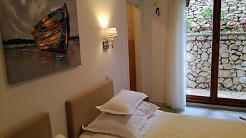 00c62dc98515 Hotel Vila Tina, Trogir, Croatia - Lowest Rate Guaranteed!