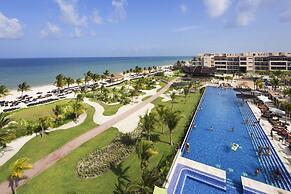 Hotelli Royalton Riviera Cancun Resort Spa All Inclusive