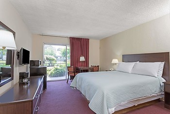 Days Inn by Wyndham Novato/San Francisco