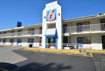 Motel 6 Chicopee, MA - Springfield