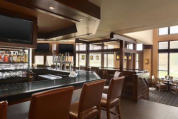 DoubleTree by Hilton Hartford - Bradley Airport