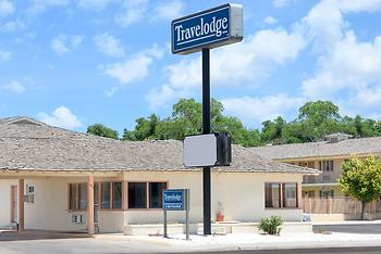 Travelodge by Wyndham Dodge City
