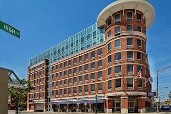 Hampton Inn & Suites Columbus - Downtown
