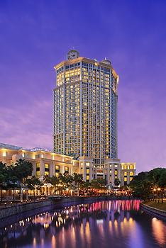 Grand Copthorne Waterfront
