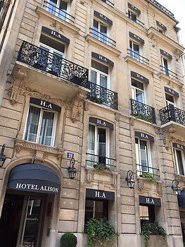 Book a hotel room in paris
