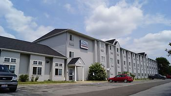 Toledo BridgePointe Inn & Suites By Hollywood Casino, Downtown, Owens