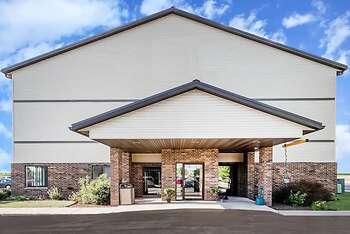 Boarders Inn & Suites by Cobblestone Hotels – Columbus
