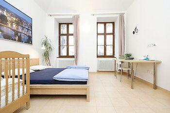 Ginosi Elema Apartel