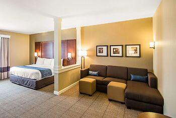 Comfort Suites Dodge City