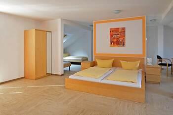Hotel Pension Mezzaluna