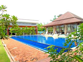 Naraya Riverside Resort