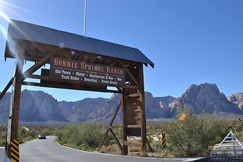 Bonnie Springs Ranch Motel