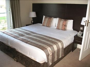Riverside Suites Hotel