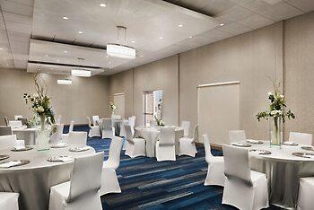 Holiday Inn Express & Suites McAllen - Medical Center Area