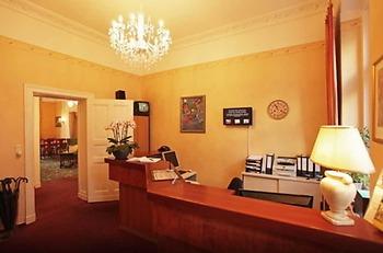 Kult Hotel Auberge