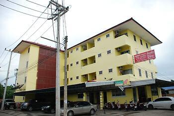Nuttasit Apartment