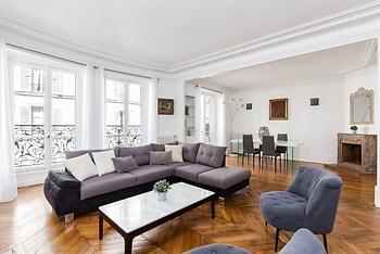 Arc de Triomphe Champs Elysees Apartment