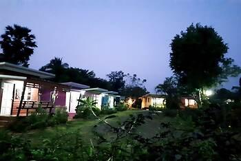 Chomnok Chommai Resort