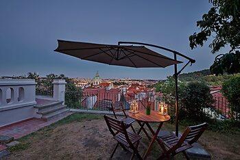 Royal View Apartments