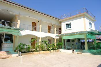 R J House Resort