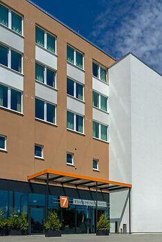 7 Days Premium BERLIN – Schönefeld