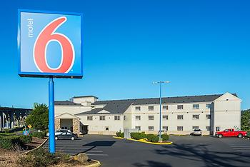 Motel 6 Newport, OR