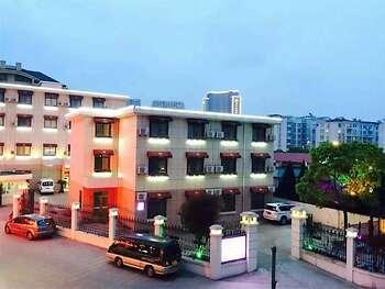 Donggang Ruiyi Hotel