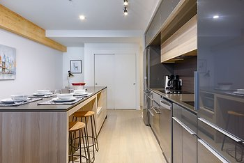 Amazing 1BR Condo Griffintown Sleeps 4