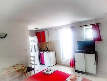 Apartments Cagalj A1 - 1 Br Apts