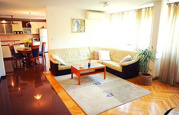 Family apartment Teo - 3 Br Apts