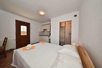 Milka Studio Apartments