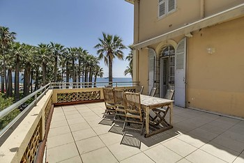 Cannes: Appart 6 Pers + Terrace Facing the Sea!